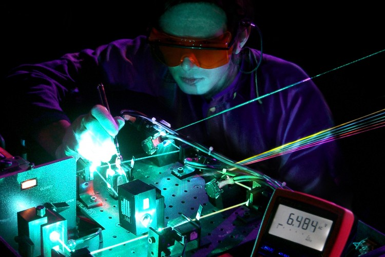 Technology-6-Laservision-Research-and-Development-Digital-Data-Pump-Lasers